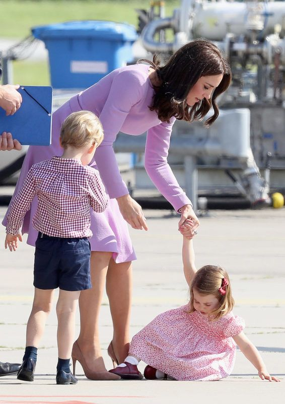 HAMBURG, GERMANY - JULY 21:  Prince William, Duke of Cambridge, Catherine, Duchess of Cambridge, Prince George of Cambridge and Princess Charlotte of Cambridge view helicopter models H145 and H135 before departing from Hamburg airport on the last day of their official visit to Poland and Germany on July 21, 2017 in Hamburg, Germany.  (Photo by Chris Jackson/Getty Images)