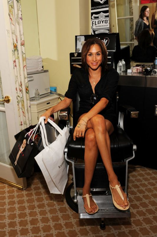BEVERLY HILLS, CA - SEPTEMBER 18:  Actress Meghan Markle attends the DPA pre-Emmy Gift Lounge at the Peninsula Hotel on September 18, 2009 in Beverly Hills, California.  (Photo by Amanda Edwards/Getty Images)
