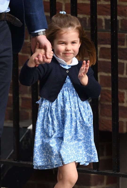 LONDON, ENGLAND - APRIL 23:  Princess Charlotte arrives with Prince George and Prince William, Duke of Cambridge at the Lindo Wing after Catherine, Duchess of Cambridge gave birth to their son at St Mary's Hospital  on April 23, 2018 in London, England. The Duchess safely delivered a boy at 11:01 am, weighing 8lbs 7oz, who will be fifth in line to the throne.  (Photo by Karwai Tang/WireImage)