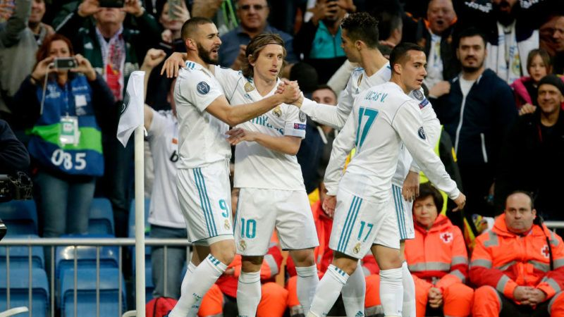MADRID, SPAIN - MAY 1: Karim Benzema of Real Madrid celebrates 1-1 with Luka Modric of Real Madrid, Cristiano Ronaldo of Real Madrid, Lucas Vazquez of Real Madrid  during the UEFA Champions League  match between Real Madrid v Bayern Munchen at the Santiago Bernabeu on May 1, 2018 in Madrid Spain (Photo by Eric Verhoeven/Soccrates/Getty Images)