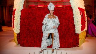 NEW YORK, NY - MAY 07: Rihanna attends the Heavenly Bodies: Fashion & The Catholic Imagination Costume Institute Gala at The Metropolitan Museum of Art on May 7, 2018 in New York City. (Photo by Kevin Tachman/Getty Images for Vogue)