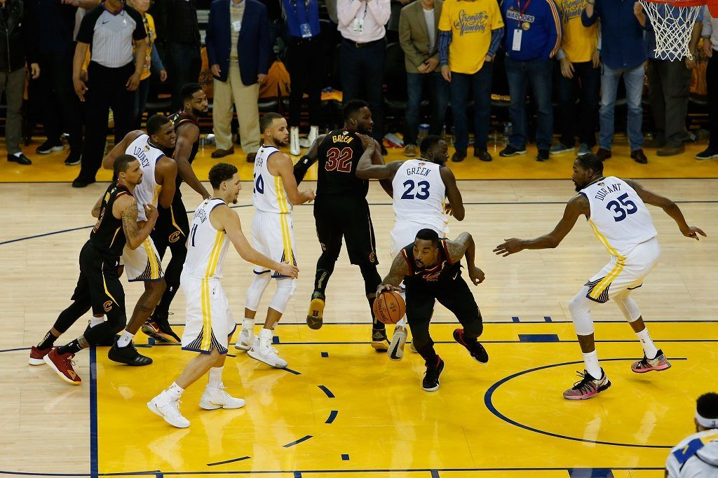 OAKLAND, CA - MAY 31: JR Smith #5 of the Cleveland Cavaliers rebounds the ball after a free throw in the closing seconds against the Golden State Warriors in Game 1 of the 2018 NBA Finals at ORACLE Arena on May 31, 2018 in Oakland, California. NOTE TO USER: User expressly acknowledges and agrees that, by downloading and or using this photograph, User is consenting to the terms and conditions of the Getty Images License Agreement.   Lachlan Cunningham/Getty Images/AFP