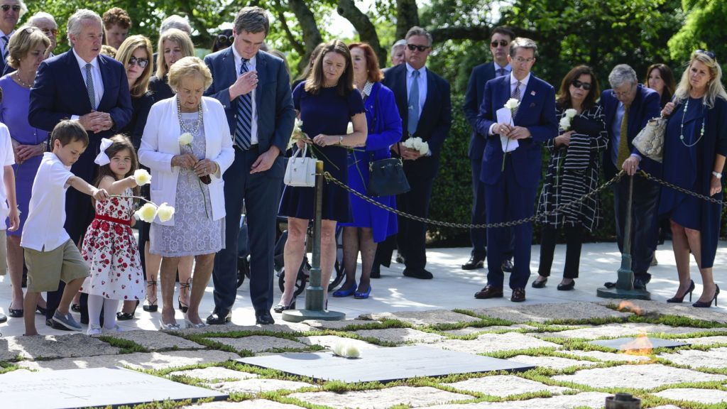 ARLINGTON, VA - JUNE 06: Ethel Kennedy, human rights campaigner and widow of Robert F. Kennedy, places a flower the grave of President John F. Kennedy during A Remembrance and Celebration of the Life & Enduring Legacy of Robert F. Kennedy at Arlington National Cemetery on June 6, 2018 in Arlington, Virginia.   Leigh Vogel/Getty Images for RFK Human Rights/AFP