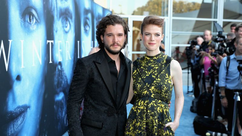 """LOS ANGELES, CA - JULY 12:  Actors Kit Harington and Rose Leslie attend the premiere of HBO's """"Game Of Thrones"""" season 7 at Walt Disney Concert Hall on July 12, 2017 in Los Angeles, California.  (Photo by Neilson Barnard/Getty Images)"""