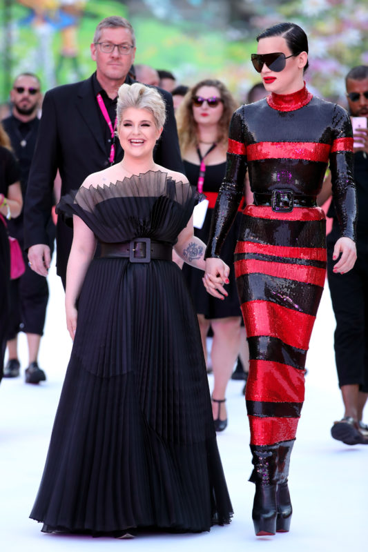 VIENNA, AUSTRIA - JUNE 02:  Kelly Osbourne and Kyle Farmery arrive for the Life Ball 2018 at City Hall on June 2, 2018 in Vienna, Austria. The Life Ball, an annual charity event raising funds for HIV & AIDS projects, celebrates its 25th anniversary this year at Vienna's City Hall.  (Photo by Andreas Rentz/Life Ball 2018/Getty Images)