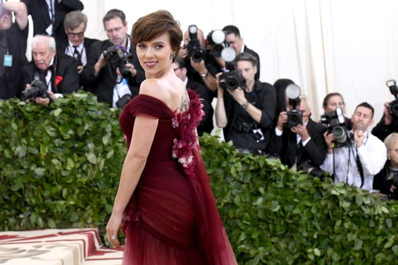 NEW YORK, NY - MAY 07: Actor Scarlett Johansson attends the Heavenly Bodies: Fashion & The Catholic Imagination Costume Institute Gala at The Metropolitan Museum of Art on May 7, 2018 in New York City.   Noam Galai/Getty Images for New York Magazine/AFP