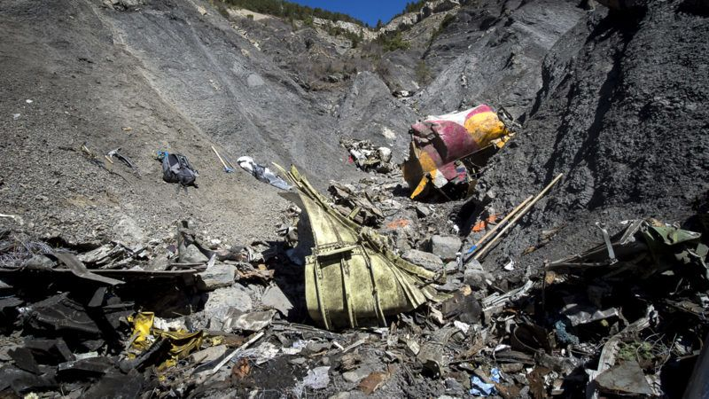 """A handout photo taken on March 31, 2015 and released by the French Interior Ministry on April 1, 2015 shows a part of the crash site of the Germanwings Airbus A320 near Le Vernet, French Alps.  AFP PHOTO / HO / YVES MALENFER / DICOM / MINISTERE DE L'INTERIEUR == RESTRICTED TO EDITORIAL USE - MANDATORY CREDIT """"AFP PHOTO / YVES MALENFER / DICOM / MINISTERE DE L'INTERIEUR"""" - NO MARKETING - NO ADVERTISING CAMPAIGN - DISTRIBUTED AS A SERVICE TO CLIENTS == / AFP PHOTO / MINISTERE DE L'INTERIEUR / Yves MALENFER"""