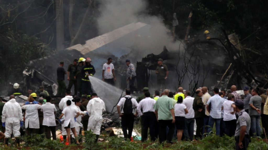 HAVANA, CUBA - MAY 18 : Emergency personnel work at the site of the accident after a Boeing 737 aircraft with more than 100 passengers aboard crashed shortly after take off from the Jose Marti International airport in Havana, Cuba on May 18, 2018.  Stringer / Anadolu Agency