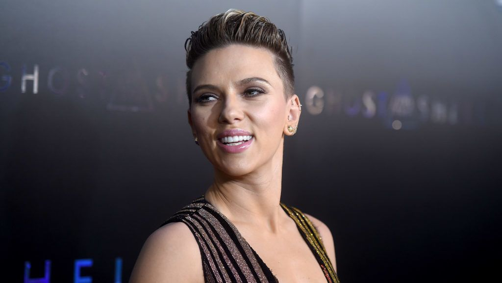 """NEW YORK, NY - MARCH 29:  Scarlett Johansson attends the """"Ghost In The Shell"""" premiere hosted by Paramount Pictures & DreamWorks Pictures at AMC Lincoln Square Theater on March 29, 2017 in New York City.  (Photo by Jamie McCarthy/Getty Images)"""
