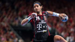 COLOGNE, GERMANY - JUNE 04: Laszlo Nagy of Veszprem throws the ball during the VELUX EHF FINAL4 3rd place match between Telekom Veszprem and FC Barcelona Lassa at Lanxess Arena on June 4, 2017 in Cologne, Germany. (Photo by Lukas Schulze/Getty Images)