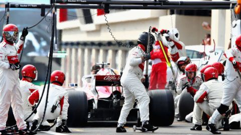 LE CASTELLET, FRANCE - JUNE 24:  Marcus Ericsson of Sweden driving the (9) Alfa Romeo Sauber F1 Team C37 Ferrari makes a pit stop for new tyres during the Formula One Grand Prix of France at Circuit Paul Ricard on June 24, 2018 in Le Castellet, France.  (Photo by Mark Thompson/Getty Images)