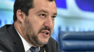 Italy's Interior Minister and deputy Prime Minister Matteo Salvini holds a press conference in Moscow on July 16, 2018. / AFP PHOTO / Vasily MAXIMOV