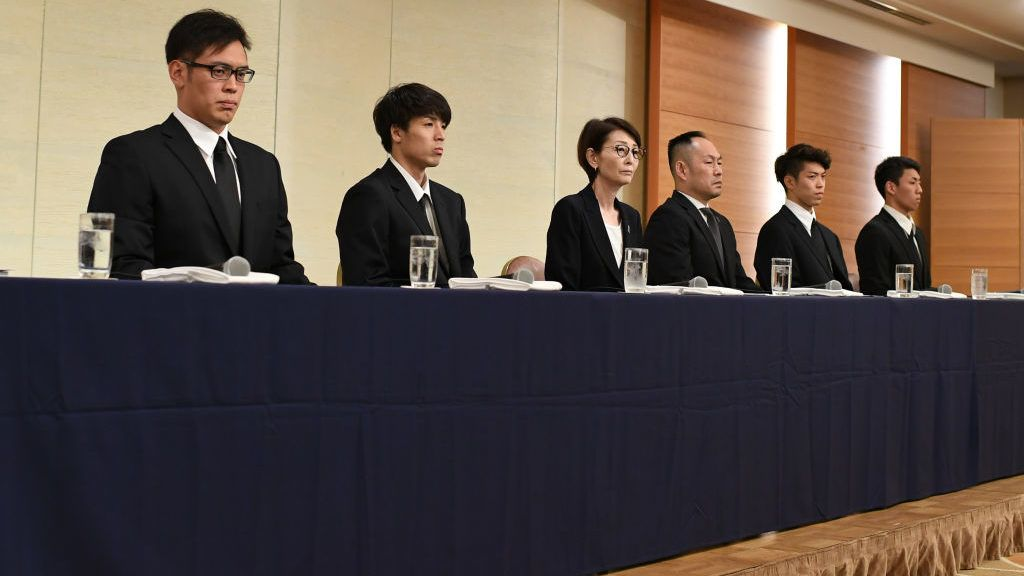 TOKYO, JAPAN - AUGUST 20: (L-R)  Yuya Nagayoshi, Takuya Hashimoto, Japan Basketball Association (JBA) Chairman Yuko Mitsuya and Technical Director Tomoya Higashino,  Takuma Sato, Keita Imamura attend a press conference on August 20, 2018 in Tokyo, Japan. Four Men's 5x5 Basketball players had been withdrawn from the Asian Games Japanese delegation and sent back to Japan as they went out for dinner wearing the Japan's official track suits after their game on August 16, they took four women at a go-go bar to the hotel and returned the Athletes' Village early morning of August 17.  (Photo by Takashi Aoyama/Getty Images)