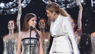 NEW YORK, NY - AUGUST 20:  Anna Kendrick (L) and Blake Lively present onstage during 2018 MTV Video Music Awards at Radio City Music Hall on August 20, 2018 in New York City.  (Photo by John Shearer/Getty Images for MTV)