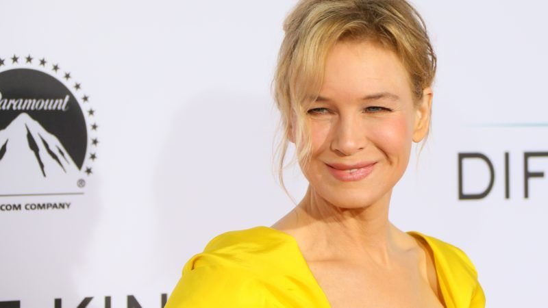WESTWOOD, CA - OCTOBER 12: Renee Zellweger attends the premiere of Paramount Pictures and Pure Flix Entertainment's 'Same Kind Of Different As Me' on October 12, 2017 in Los Angeles, California. (Photo by JB Lacroix/ WireImage)