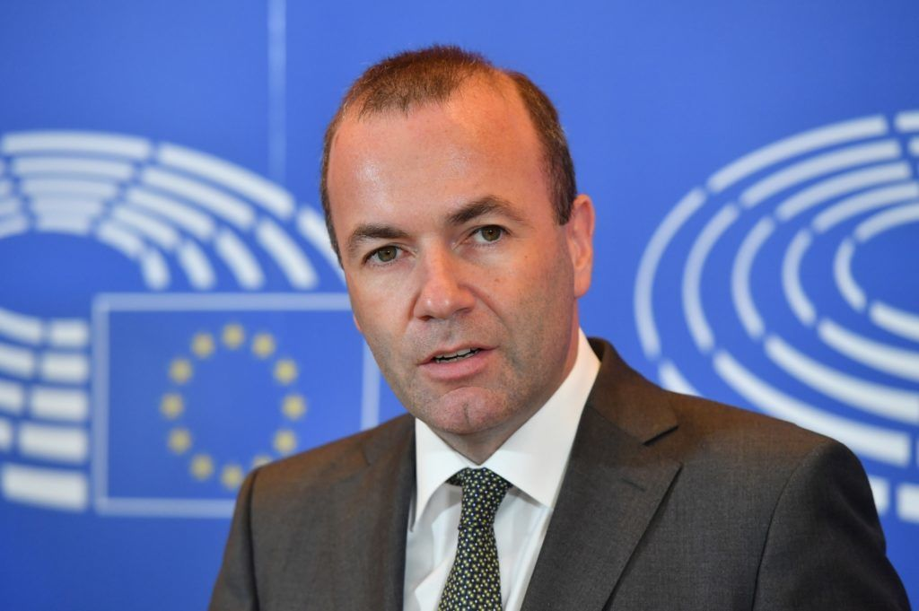 German politician Manfred Weber, the leader of the European People's Party in the European Parliament, delivers a press statement at the European Parliament in Brussels on September 5, 2018 Weber formally announced he is standing to be the center-right grouping's lead candidate in next year's European election. / AFP PHOTO / Emmanuel DUNAND