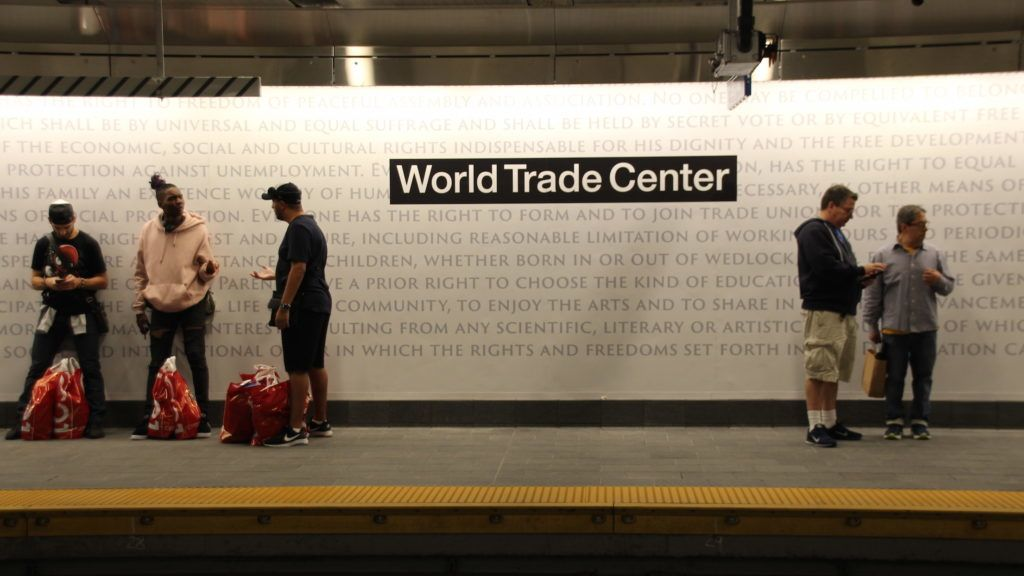 """08.09.2018, USA, New York: The reopened underground station """"WTC Cortlandt"""" in New York. Almost 17 years after the terrorist attacks on the World Trade Center in New York, the subway station destroyed under the collapsing twin towers has reopened. Now trains of line 1 stop again at the station, which was once called """"Cortlandt Street"""" and has now been renamed """"WTC Cortlandt"""". (on dpa """"17 years after 9/11: Underground station at the World Trade Center reopened"""" from 09.09.2018) Photo: Christina Horsten/dpa"""