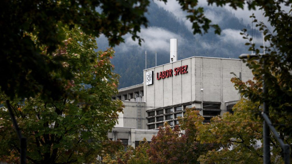 The Spiez Laboratory, Swiss Federal Institute for NBC-Protection (nuclear, biological, chemical) is seen on September 14, 2018 in Spiez, 40km from Swiss capital Bern.  Swiss newspapers reported on September 14, 2018 that two Russian agents suspected of trying to spy the Spiez Laboratory were arrested in the Netherlands and expelled early this year. / AFP PHOTO / Fabrice COFFRINI