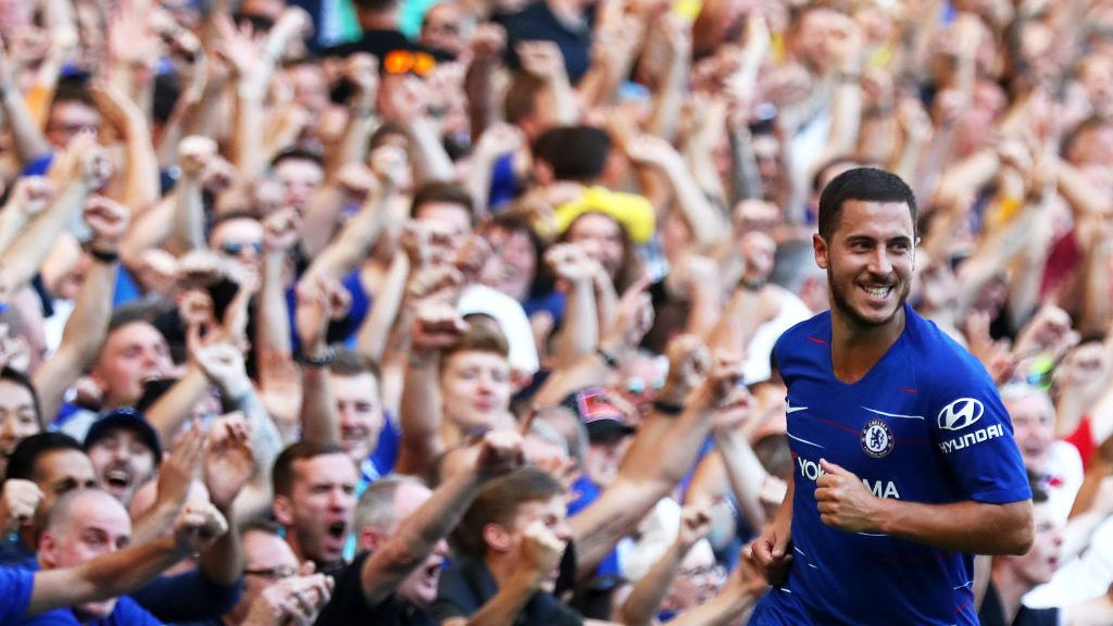 LONDON, ENGLAND - SEPTEMBER 01:  Eden Hazard of Chelsea celebrates after scoring his team's second goal during the Premier League match between Chelsea FC and AFC Bournemouth at Stamford Bridge on September 1, 2018 in London, United Kingdom.  (Photo by Clive Rose/Getty Images)