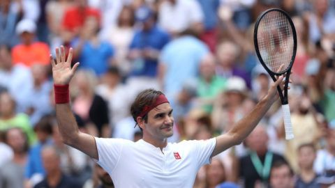 NEW YORK, NY - SEPTEMBER 01:  Roger Federer of Switzerland celebrates after winning his men's singles third round match against Nick Kyrgios of Australia on Day Six of the 2018 US Open at the USTA Billie Jean King National Tennis Center on September 1, 2018 in the Flushing neighborhood of the Queens borough of New York City.  (Photo by Matthew Stockman/Getty Images)