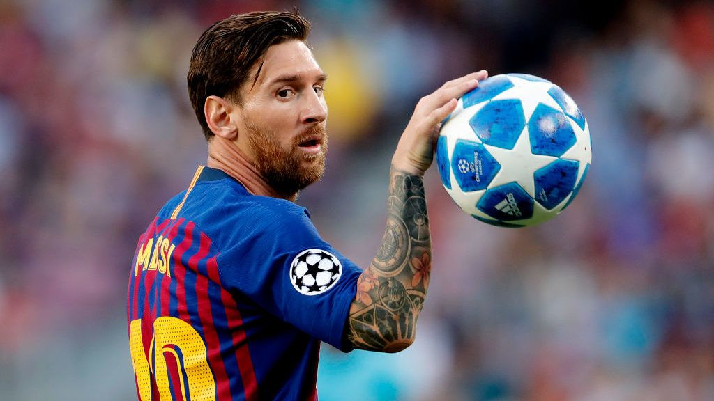 BARCELONA, SPAIN - SEPTEMBER 18: Lionel Messi of FC Barcelona during the UEFA Champions League  match between FC Barcelona v PSV at the Camp Nou on September 18, 2018 in Barcelona Spain (Photo by Geert van Erven/Soccrates/Getty Images)
