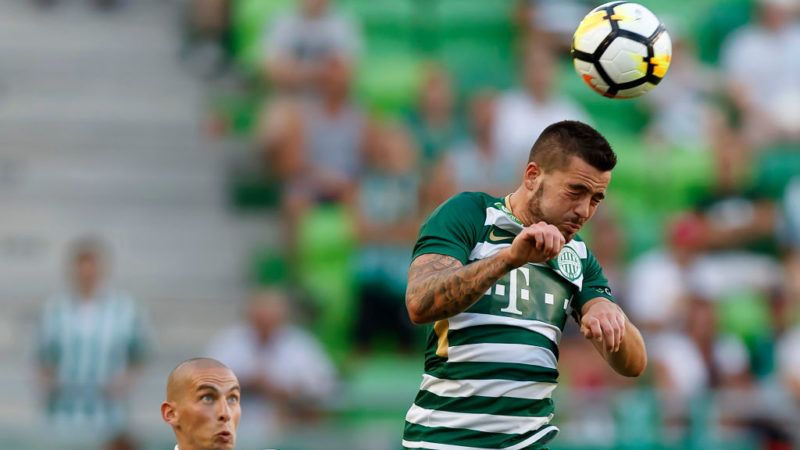 BUDAPEST, HUNGARY - JULY 30: Endre Botka (R) of Ferencvarosi TC wins the ball in the air from Jakub Brasen (L) of Mezokovesd Zsory FC during the Hungarian OTP Bank Liga match between Ferencvarosi TC and Mezokovesd Zsory FC at Groupama Arena on July 30, 2017 in Budapest, Hungary. (Photo by Laszlo Szirtesi/Getty Images)