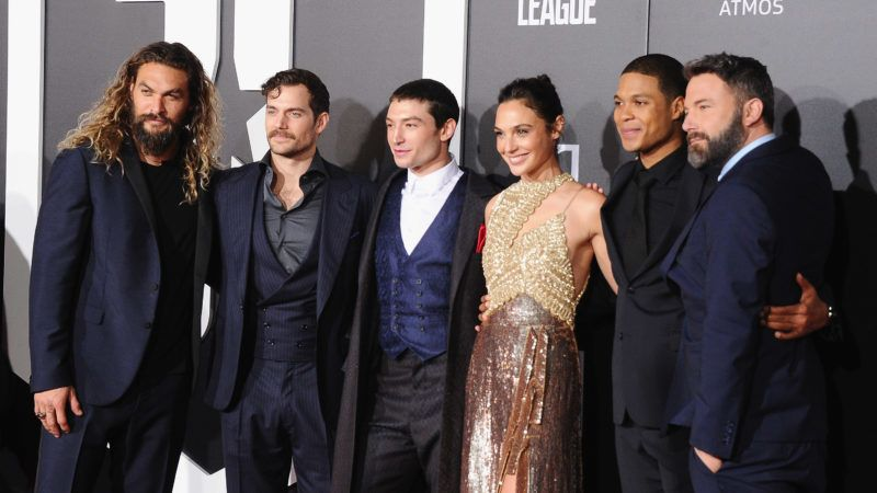 "HOLLYWOOD, CA - NOVEMBER 13:  (L-R) Actors Jason Momoa, Henry Cavill, Ezra Miller, Gal Gadot, Ray Fisher, and Ben Affleck attend the Los Angeles Premiere of Warner Bros. Pictures' ""Justice League"" at Dolby Theatre on November 13, 2017 in Hollywood, California.  (Photo by Jon Kopaloff/FilmMagic)"