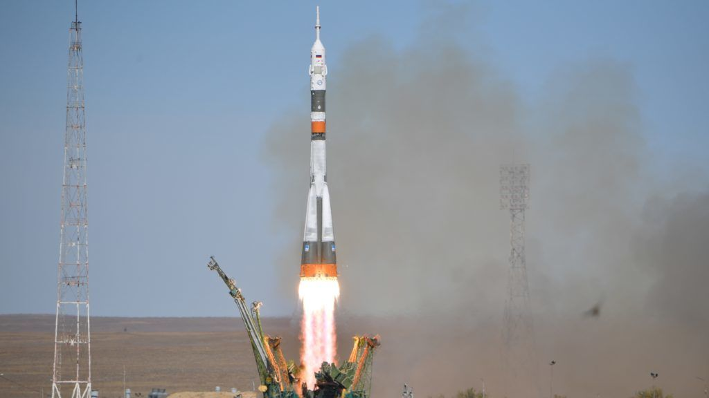 5663457 11.10.2018 The Soyuz MS-10 spacecraft carrying the crew of NASA astronaut Nick Hague, of the United States, and Roskosmos cosmonaut Aleksey Ovchinin, of Russia, blasts off to the International Space Station (ISS) from the launchpad at the Baikonur Cosmodrome, Kazakhstan, October 11, 2018. Alexey Filippov / Sputnik