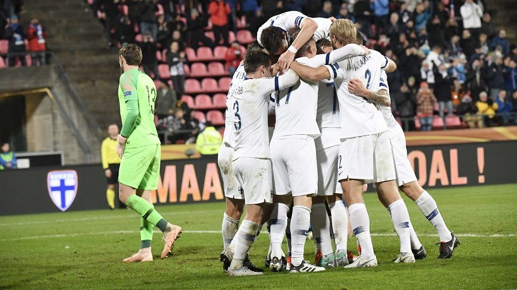 Finnish players celebrate scoring during the UEFA Nations League group stage football match Finland v Grece in Tampere, Finland on October 15, 2018. (Photo by Heikki Saukkomaa / Lehtikuva / AFP) / Finland OUT