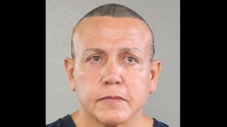 """This handout mugshot obtained courtesy of the Broward County Sheriff'a Office shows an August 2015 booking photo of Cesar Sayoc, who the US media on October 26, 2018 identifies as the suspect in connection with 12 suspicious packages and pipe bombs sent to critics of US President Donald Trump. - US investigators have arrested the suspect in Florida in connection with 12 suspicious packages and pipe bombs sent to critics of Donald Trump in a days-long spree that has inflamed the United States ahead of key midterm elections. (Photo by HO / BROWARD COUNTY SHERIIF'S OFFICE / AFP) / == RESTRICTED TO EDITORIAL USE  / MANDATORY CREDIT:  """"AFP PHOTO /  BROWARD COUNTY SHERIFF'S OFFICE"""" / NO MARKETING / NO ADVERTISING CAMPAIGNS /  DISTRIBUTED AS A SERVICE TO CLIENTS  =="""