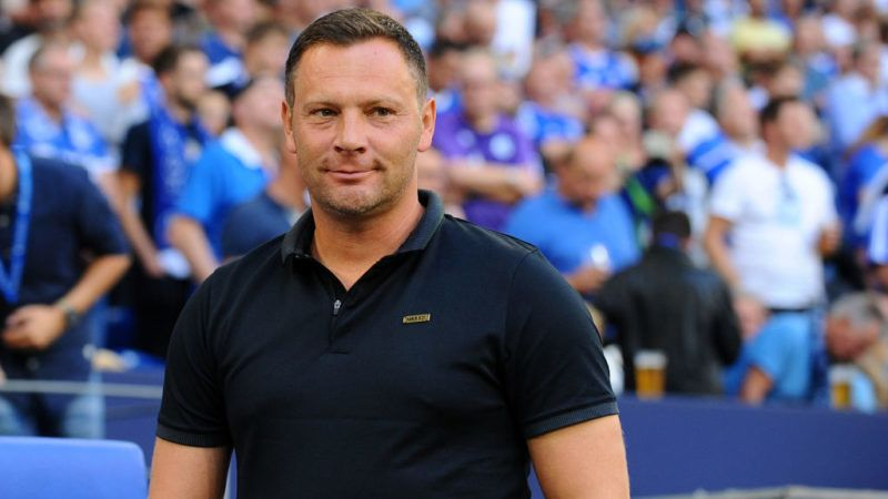 GELSENKIRCHEN, GERMANY - SEPTEMBER 02: Head coach  Pal Dardai of Hertha BSC Berlin  looks on  prior  the Bundesliga match between FC Schalke 04 and Hertha BSC at Veltins-Arena on September 2, 2018 in Gelsenkirchen, Germany. (Photo by TF-Images/Getty Images)
