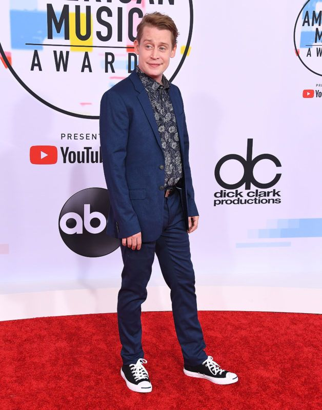 LOS ANGELES, CA - OCTOBER 09:  Macaulay Culkin arrives at the 2018 American Music Awards at Microsoft Theater on October 9, 2018 in Los Angeles, California.  (Photo by Steve Granitz/WireImage)