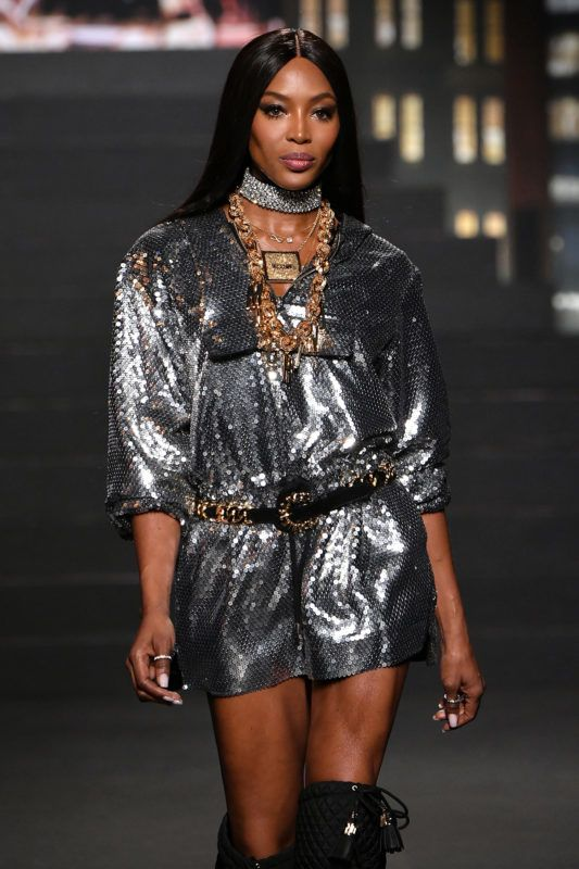 NEW YORK, NY - OCTOBER 24:  Naomi Campbell walks the runway during the Moschino x H