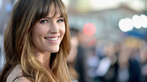 """LOS ANGELES, CA - APRIL 07:  Actress Jennifer Garner attends Premiere Of Summit Entertainment's """"Draft Day"""" at Regency Bruin Theatre on April 7, 2014 in Los Angeles, California.  (Photo by Michael Buckner/Getty Images)"""
