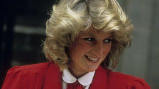 LONDON, UNITED KINGDOM - SEPTEMBER 17:  Diana, Princess of Wales leaves the Lindo Wing of St. Mary's Hospital following the birth of Prince Harry on September 17, 1984 in London, England.  (Photo by Anwar Hussein/Getty Images)