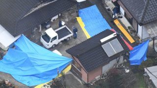 An aerial photo shows a private house where discovered six bodies in Takachiho Town, Miyazaki Prefecture, southwestern side of Japan on November 27, 2018. Miyazaki Prefectural Police invested this house over the suspected murders. A man was found floating in a nearby river on November 26th, too. Police are working to identify the individual, believing the man may be the oldest son of the head of the family who lived in the house. ( The Yomiuri Shimbun )