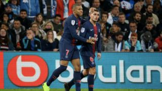 MARSEILLE, FRANCE - OCTOBER 28:  Kylian Mbappe of Paris Saint-Germain celebrate his  goal with Marco Verratti during the French Ligue 1 match between Olympique Marseille and Paris Saint-Germain on October 28, 2018 at Orange Velodrome in Marseille, France.  (Photo by Xavier Laine/Getty Images)