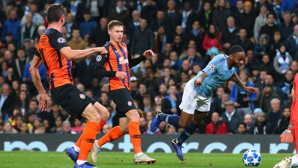 MANCHESTER, ENGLAND - NOVEMBER 07:  Raheem Sterling of Manchester City trips over for a penalty during the UEFA Champions League Group F match between Manchester City and FC Shakhtar Donetsk at Etihad Stadium on November 7, 2018 in Manchester, United Kingdom.  (Photo by Alex Livesey - Danehouse/Getty Images)
