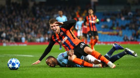 MANCHESTER, ENGLAND - NOVEMBER 07:  Raheem Sterling of Manchester City battles for possession with Mykola Matviyenko of Shakhtar Donetsk during the Group F match of the UEFA Champions League between Manchester City and FC Shakhtar Donetsk at Etihad Stadium on November 7, 2018 in Manchester, United Kingdom.  (Photo by Clive Brunskill/Getty Images)