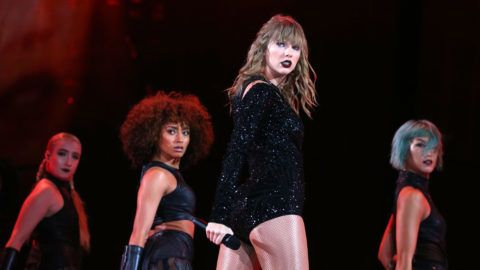 AUCKLAND, NEW ZEALAND - NOVEMBER 09: Taylor Swift performs at Mt Smart Stadium on November 9, 2018 in Auckland, New Zealand. (Photo by Don Arnold/TAS18/Getty Images)