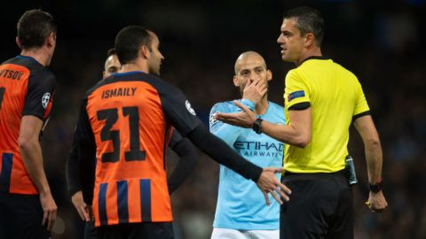 MANCHESTER, ENGLAND - NOVEMBER 07: FC Shakhtar Donetsk players argue with Referee Viktor Kassai of Hungary after he awards Manchester City a controversial penalty during the Group F match of the UEFA Champions League between Manchester City and FC Shakhtar Donetsk at Etihad Stadium on November 7, 2018 in Manchester, United Kingdom. (Photo by Visionhaus/Getty Images)