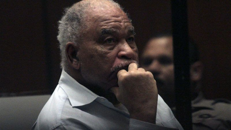 LOS ANGELES, CA - AUGUST 18, 2014:  Samuel Little, who was indicted on charges that he murdered three women in Los Angeles in the 1980s, listens to opening statements as his trial begins on AUGUST 18, 2014.  (Photo by Bob Chamberlin/Los Angeles Times via Getty Images)