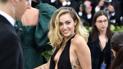 NEW YORK, NY - MAY 07:  Recording artist Miley Cyrus attends the Heavenly Bodies: Fashion & The Catholic Imagination Costume Institute Gala at The Metropolitan Museum of Art on May 7, 2018 in New York City.  (Photo by Theo Wargo/Getty Images for Huffington Post)