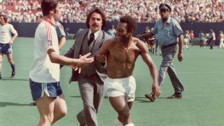 EAST RUTHERFORD, NJ - CIRCA 1975-77:  Pele of New York Cosmos leaves the field following a game at Giants Stadium in East Rutherford, New Jersey, circa 1975-77. (Photo by Robert Riger/Getty Images)