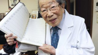 This file photo taken on Dec. 10, 2013 shows a Japanese physician and author Shigeaki Hinohara in Chuo Ward, Tokyo. Dr. Hinohara died aged 105 at his house in Setagaya Ward, Tokyo on July 18, 2017. Hinohara was born in 1911, and graduated from the Medical School of Kyoto Imperial University in 1937. In 1941, Hinohara joined St. Luke's International Hospital in Tokyo as a doctor of internal medicine, and was Honorary President of St. Luke's International Hospital. Hinohara grew up in a pastor's family, and worked on consultations, lectures and writing activities until his death to advocate the importance of total human care including the patient's spiritual side. ( The Yomiuri Shimbun )