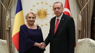 "A handout picture taken and released on October 15, 2018 by the Turkish Presidential Press Office shows Turkish President Recep Tayyip Erdogan (R) and Prime Minister of Romania Viorica Dancila (L) shaking hands as they pose for a photo during their meeting in Ankara. (Photo by KAYHAN OZER / TURKISH PRESIDENTIAL PRESS SERVICE / AFP) / RESTRICTED TO EDITORIAL USE - MANDATORY CREDIT ""AFP PHOTO / TURKISH PRESIDENTIAL PRESS OFFICE / KAYHAN OZER""- NO MARKETING NO ADVERTISING CAMPAIGNS - DISTRIBUTED AS A SERVICE TO CLIENTS"