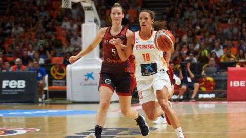 Queralt Casas of Spain National team and Kim Mestdagh of Belgium National team during the international friendly basket match between Spain and Belgium women's, at Pabellon Fuente de San Luis on August 31, 2018 in Valencia, Spain.  (Photo by Maria Jose Segovia/NurPhoto via Getty Images)