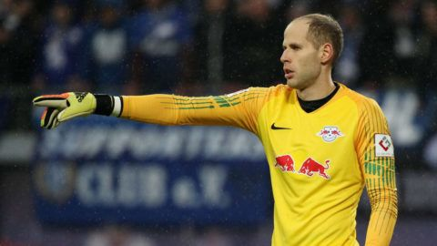 LEIPZIG, GERMANY - OCTOBER 28: Goalkeeper Peter Gulacsi of Leipzig reacts during the 1.Bundesliga match between RB Leipzig and FC Schalke 04 at Red Bull Arena on October 28, 2018 in Leipzig, Germany. (Photo by Karina Hessland-Wissel/Bongarts/Getty Images)
