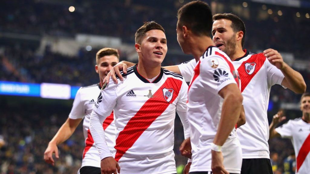 MADRID, SPAIN - DECEMBER 09: Juan Fernando Quintero of River Plate (centre) celebrates after scoring his sides second goal during the second leg of the final match of Copa CONMEBOL Libertadores 2018 between Boca Juniors and River Plate at Estadio Santiago Bernabeu on December 9, 2018 in Madrid, Spain. Due to the violent episodes of November 24th at River Plate stadium, CONMEBOL rescheduled the game and moved it out of Americas for the first time in history.  (Photo by Chris Brunskill/Fantasista/Getty Images)