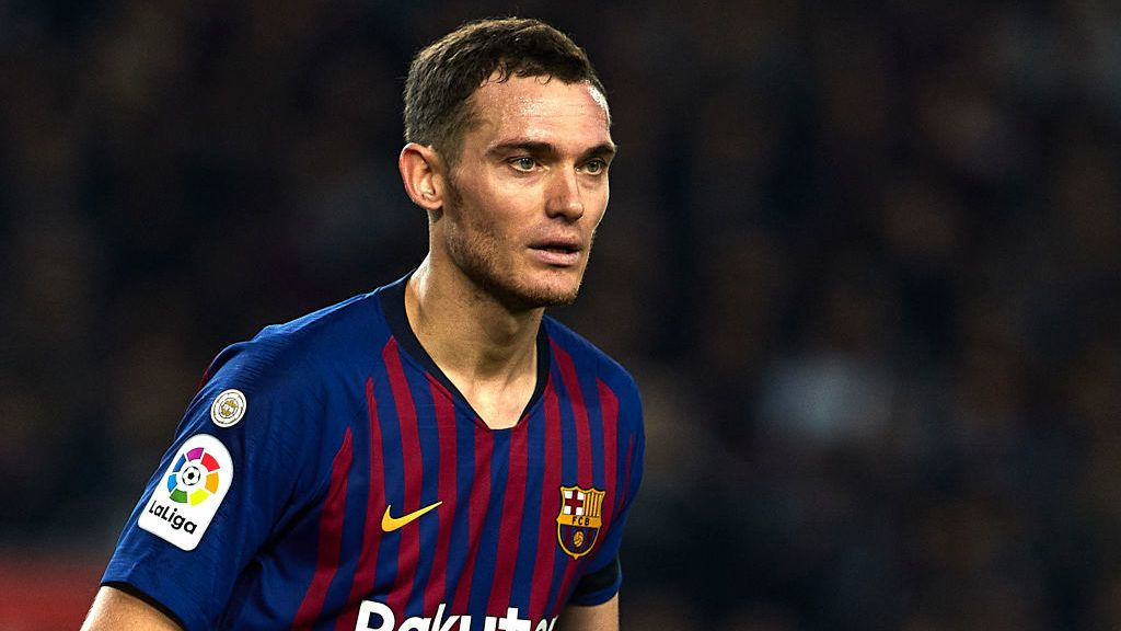 BARCELONA, SPAIN - DECEMBER 05: Thomas Vermaelen of FC Barcelona looks on during the Spanish Copa del Rey second leg match between FC Barcelona and Cultural Leonesa at Camp Nou on December 05, 2018 in Barcelona, Spain. (Photo by Quality Sport Images/Getty Images)